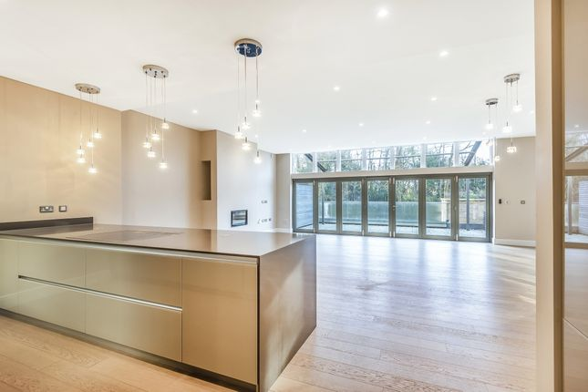 Thumbnail Property to rent in Chantry Quarry, Guildford