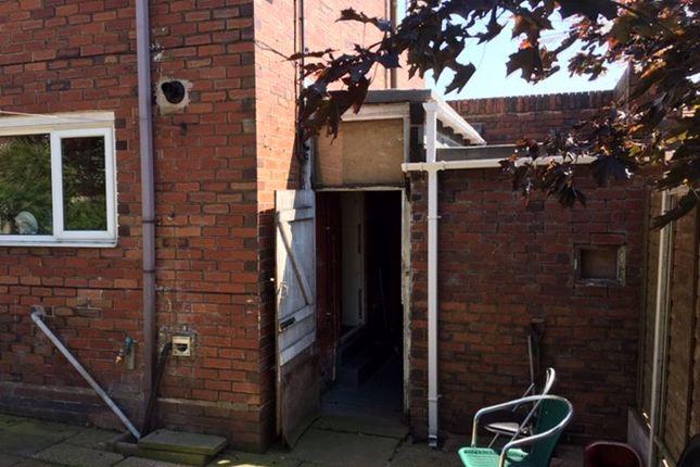 Outside of Cemlyn Avenue, Blurton, Stoke-On-Trent ST3