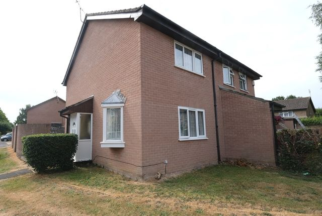 Thumbnail Semi-detached house for sale in Sandpiper Close, Marchwood