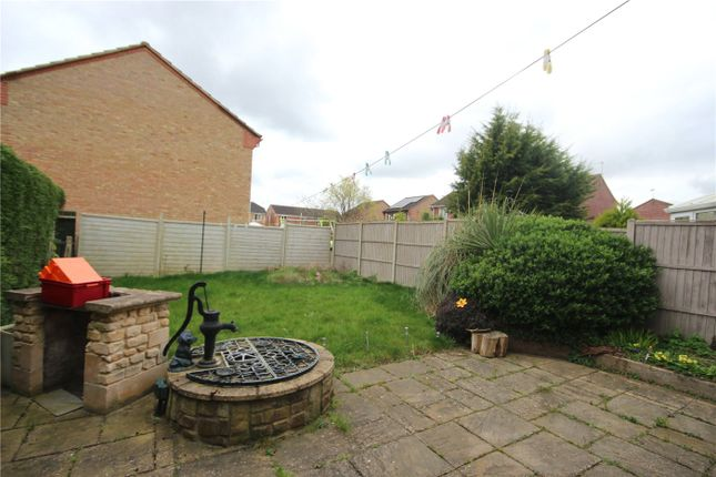 Picture No. 09 of Cypress Close, Sleaford, Lincolnshire NG34