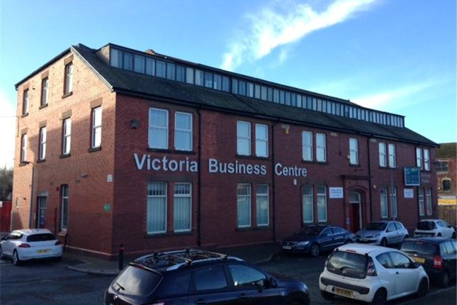 Office to let in Victoria House, Croft Street, Widnes, Cheshire, England