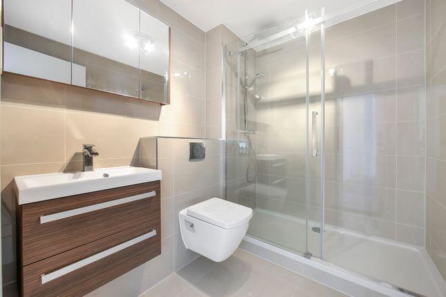Bathroom of St. Davids Square, London E14