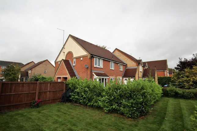 Thumbnail Terraced house for sale in Woodhead Drive, Cambridge