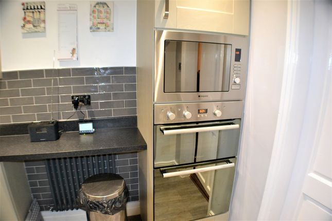 Kitchen of Turpin Green Lane, Leyland PR25