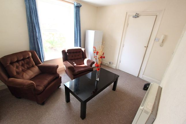 Room to rent in Lipson Road, Plymouth PL4