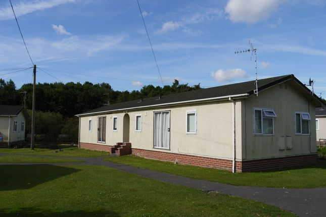 Thumbnail Mobile/park home to rent in Moor Farm Park, Moor Lane, Calverton