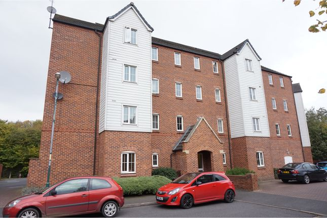 Thumbnail Flat for sale in Bridgeside Close, Brownhills