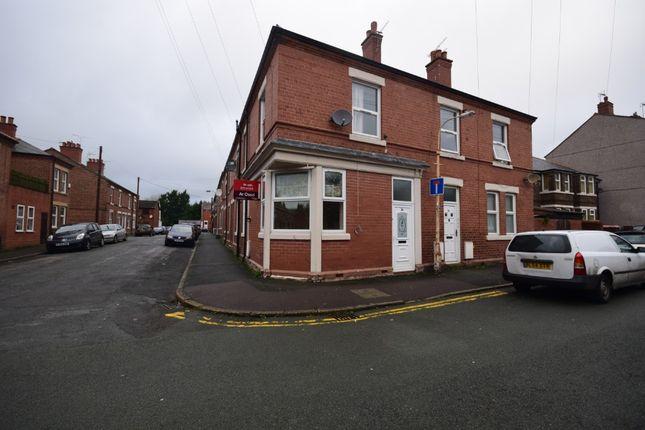 Studio to rent in Erddig Road, Wrexham LL13