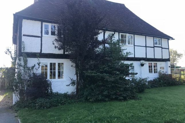 Thumbnail Cottage to rent in Fairbrook, Hernhill, Faversham