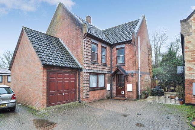 Thumbnail Detached house for sale in Castle Hill Court, Huntingdon