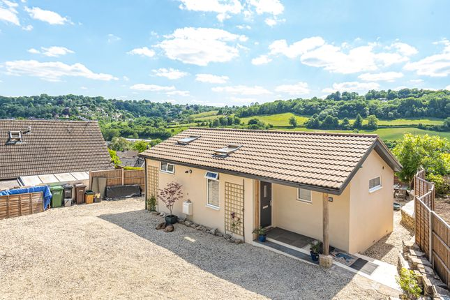 Thumbnail Bungalow for sale in Thrupp, Stroud