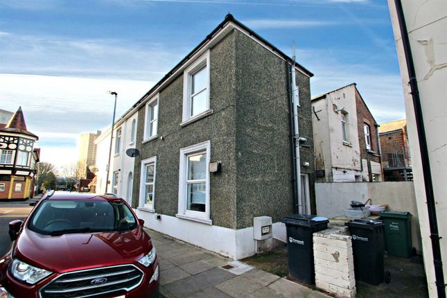 2 bed end terrace house to rent in Somers Road, Southsea PO5