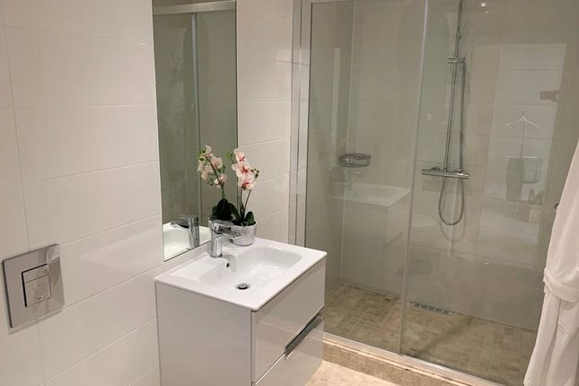 Typica En-Suite of Apartment 8, The Beeches, Malpas, Cheshire SY14