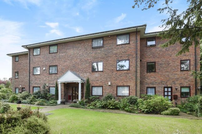 Flat to rent in Sentis Court, Carew Road, Northwood