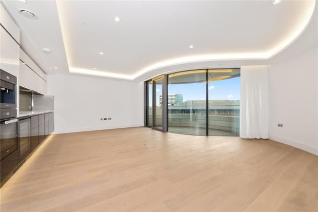 Thumbnail Flat to rent in The Corniche, 21 Albert Embankment