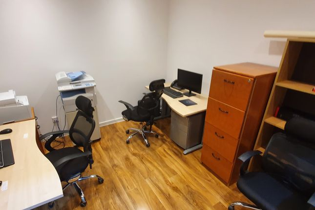 Thumbnail Office to let in Woolwich Church St, Charlton SE18, London,