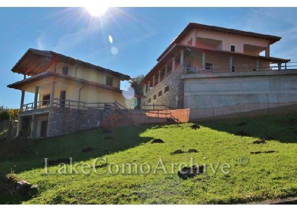 4 bed villa for sale in Pianello Del Lario, Lake Como, Italy