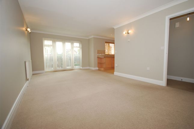 Thumbnail Flat to rent in 61 Albemarle Road, Beckenham, Kent