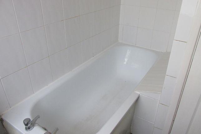 White Suite of 220 Kimberworth Road, Rotherham S61, Kimberworth,