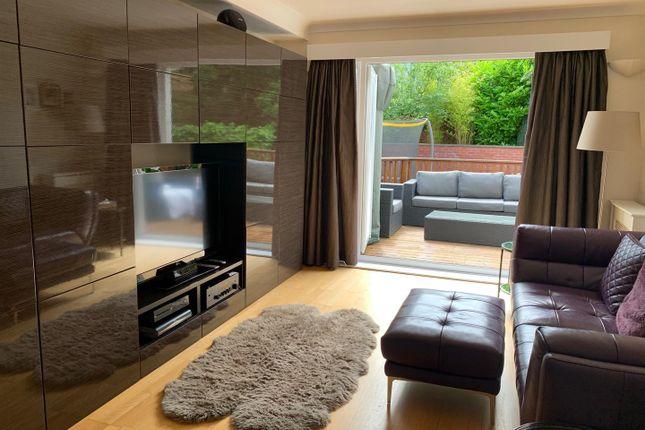 TV Room of Glebe Wynd, Bothwell, Glasgow G71