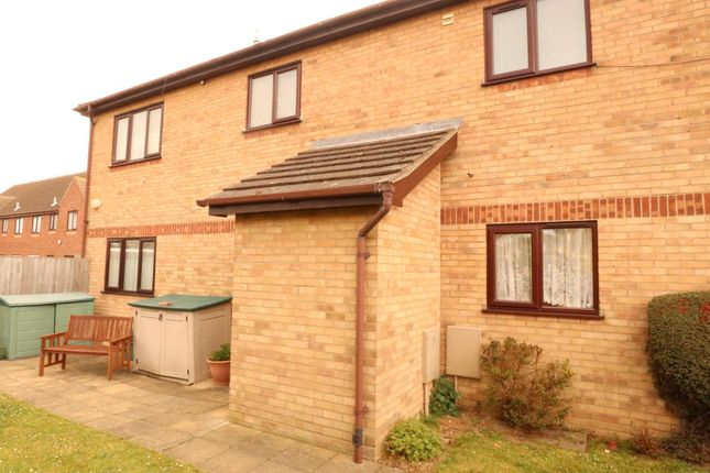 1 bed flat to rent in Old Road, Clacton-On-Sea CO15