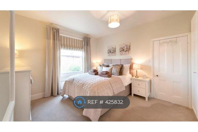 Thumbnail Maisonette to rent in Wycliffe Avenue, Wilmslow