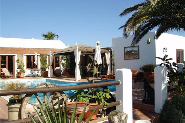 3 bed villa for sale in Puerto Del Carmen, Lanzarote, Spain