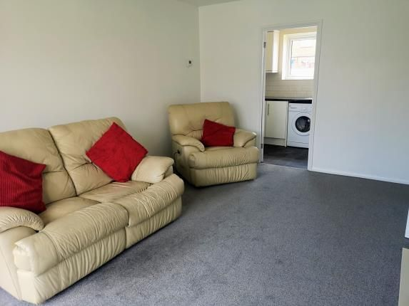 Astonishing 1 Bed Flat For Sale In Ross Close Luton Bedfordshire Pdpeps Interior Chair Design Pdpepsorg