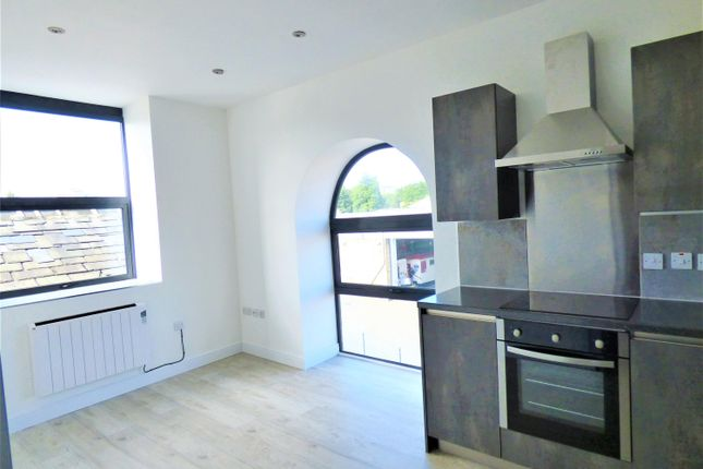 Thumbnail Flat to rent in Temple Street, Keighley, West Yorkshire