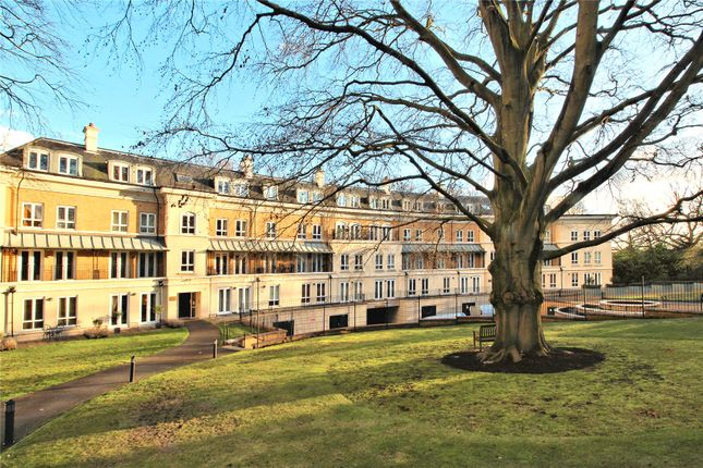 Thumbnail Flat for sale in Heathside Crescent, Woking, Surrey
