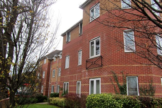 2 bed flat to rent in Coxford Road, Southampton