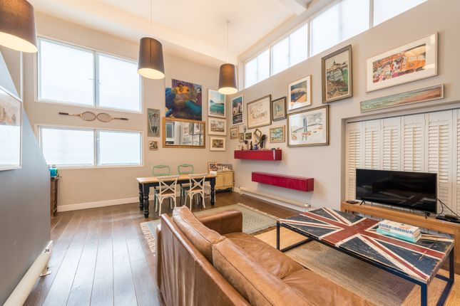 4 bed town house for sale in Cormont Road, London SE5
