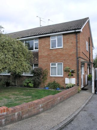 Thumbnail Maisonette to rent in Hitcham Road, Slough
