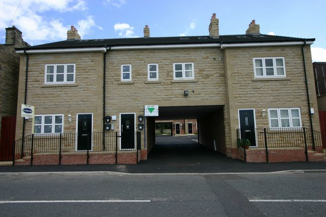 Thumbnail Flat to rent in Halifax Road, Liversedge