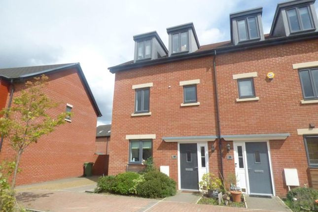 Thumbnail Town house to rent in Sapphire Way, Brockworth, Gloucester