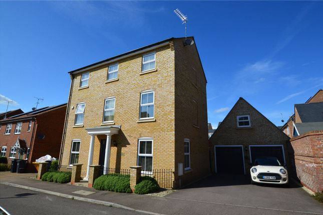 Thumbnail Detached house for sale in Felstead Crescent, Stansted