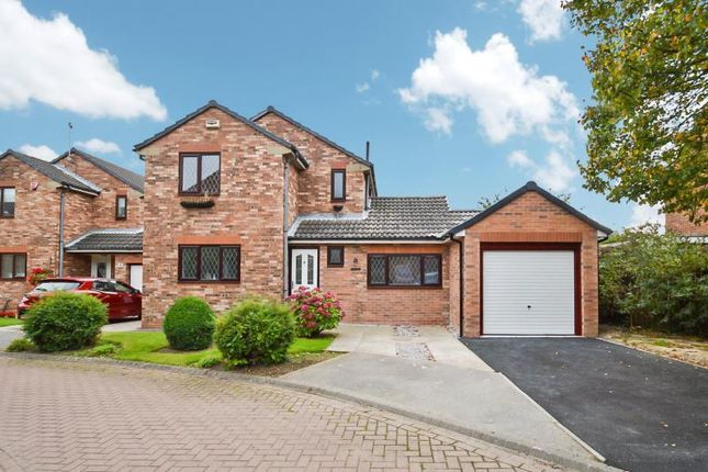 Thumbnail Detached house to rent in The Close, Sutton, Hull