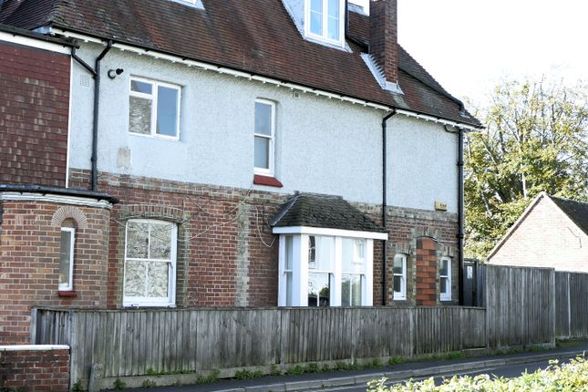 Thumbnail Flat to rent in Alton, Alton