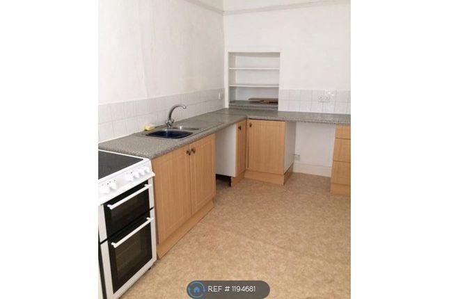 2 bed flat to rent in High Street, Honiton EX14