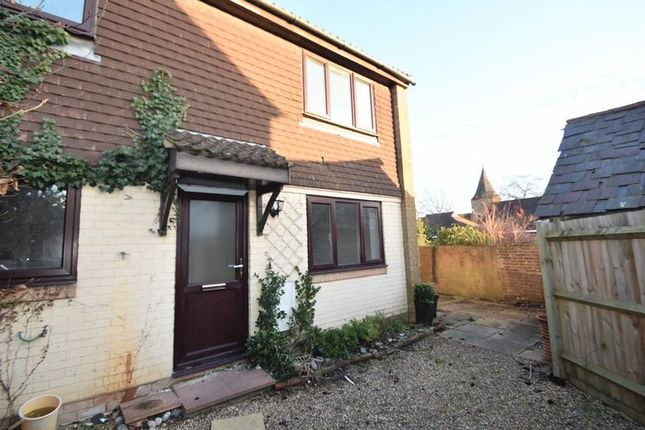 Thumbnail Terraced house for sale in Croft Court, Edenbridge