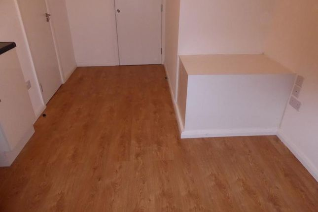 Thumbnail Studio to rent in Shooters Hill, London