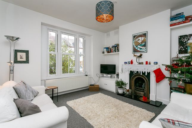 Thumbnail Flat to rent in Sunnyhill Road, London