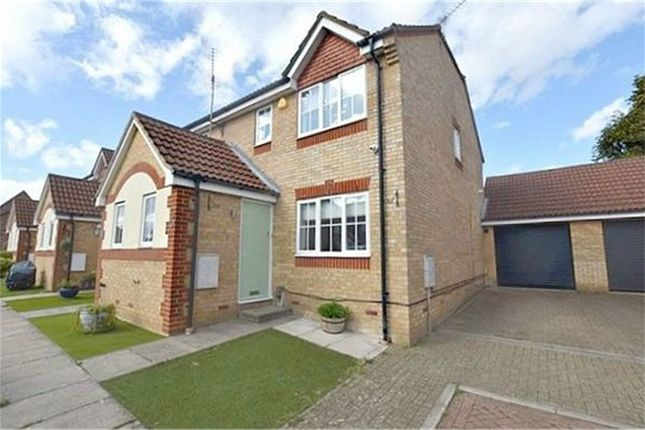 Thumbnail Semi-detached house for sale in Linnet Road, Abbots Langley, Hertfordshire