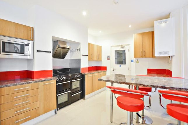 Thumbnail Semi-detached house to rent in Crewdson Road, London