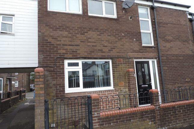 2 bed town house to rent in Chatburn Court, Shaw, Oldham OL2