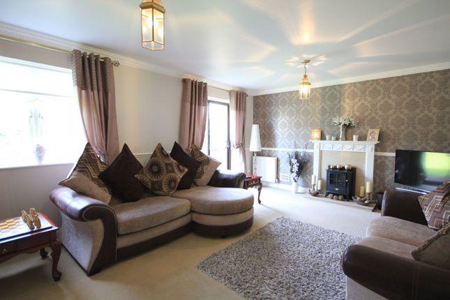 Living Room of Manor Park Close, Tilehurst, Reading RG30