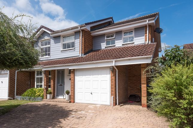 4 bed detached house for sale in Middleton Way, Ifield