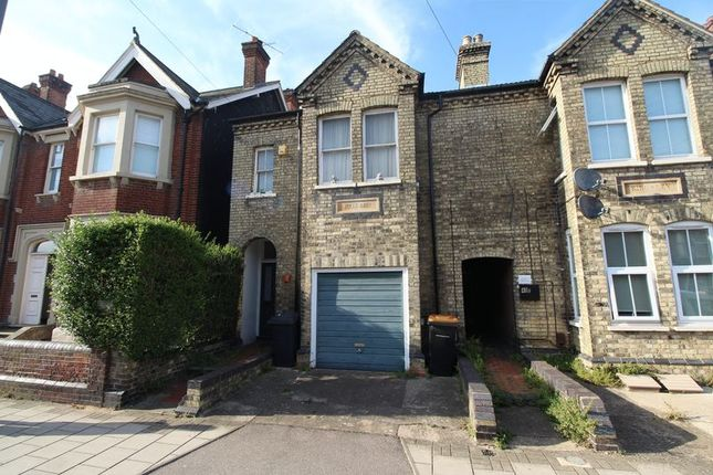 Thumbnail Flat for sale in Castle Road, Bedford