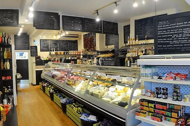 Thumbnail Restaurant/cafe for sale in Cafe & Sandwich Bars HU13, East Yorkshire