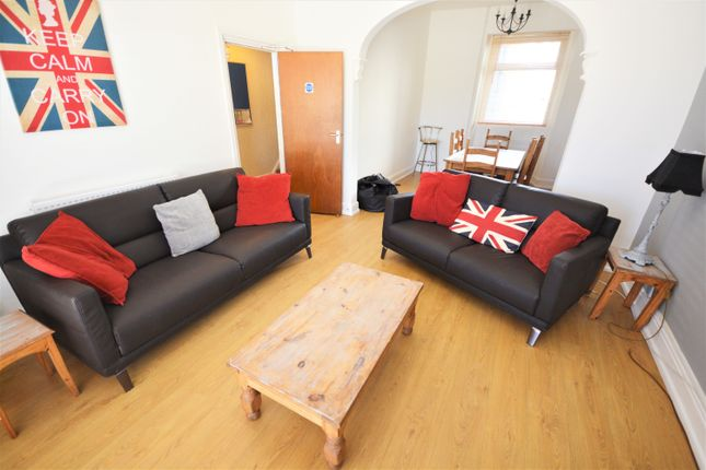 Thumbnail Property to rent in Phillips Parade, Brynmill, Swansea